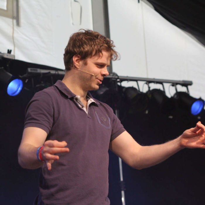 Benjamin Stoll beim Improtheater