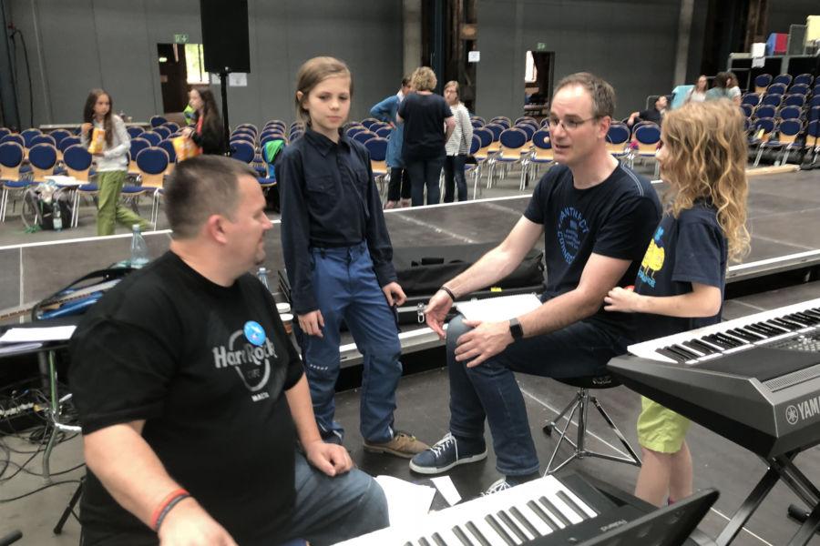 Proben für das Pop-Oratorium ICH BIN in Leipzig mit Regisseur und Schauspieler Benjamin Stoll, Dirigent Gerrit Junge und Komponist Sigi Hänger