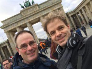 Benjamin Stoll und Gerrit Junge bei der Besprechung fürs Pop-Oratorium »Ich bin …« 2018 in Leipzig