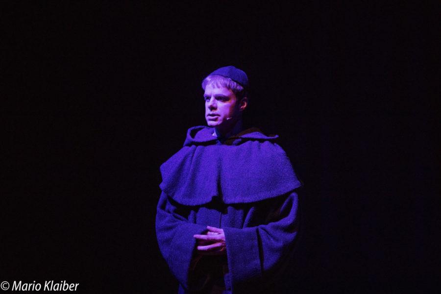 """Proben für """"Höllenfeuer – Luther der Rebell"""" mit Benjamin Stoll als Martin Luther"""