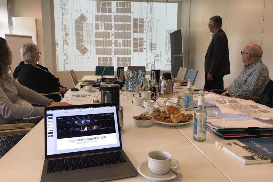 Planungssitzung für das Pop-Oratorium ICH BIN in Leipzig mit Regisseur und Schauspieler Benjamin Stoll